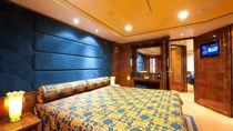 Royal Suite Yatch Club con gran balcón